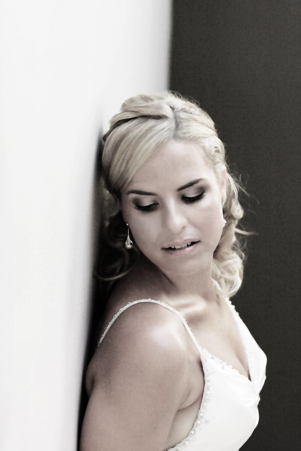Cairns Hair And Makeup Artistry: Wedding Hair & Make-up Specialists, Hairdresers
