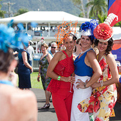 Cairns Amateurs Fashions on the Field