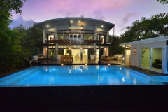 Luxury Newell Beach Holiday House