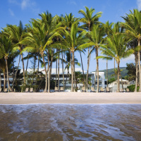 Absolute Beachfront - Alamanda Palm Cove Resort & Spa