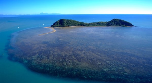 Aerial view over Double Island in Palm Cove on Cairns Helicopter Scenic Flight