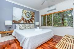 Master King Bedroom | Alamanda Palm Cove Private Apartment