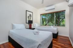 2nd Bedroom King or Twin Bedding | Alamanda Palm Cove Private Apartment