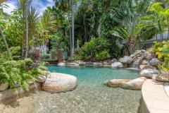 Rock Pool (heated in winter) Alamanda Palm Cove Private Apartment