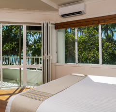 Alamanda Suite Master Bedroom - Alamanda Palm Cove Resort & Spa