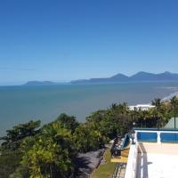 AMAZING Views from A Villa Gail B&B - Cairns Beaches