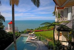 Amazing Views overlooking private heated swimming pool - Luxury Port Douglas Holiday Home