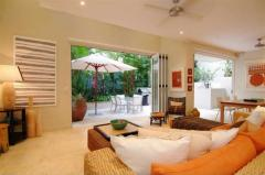 Apartment 10 - Luxury Port Douglas Accommodation - Open plan Lounge