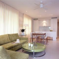Apartment living 201 Lake St Holiday Apartments Cairns