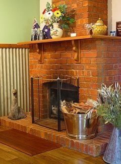 Australian Charm Fireplace - Gumtree on Gillies B&B Atherton Tablelands