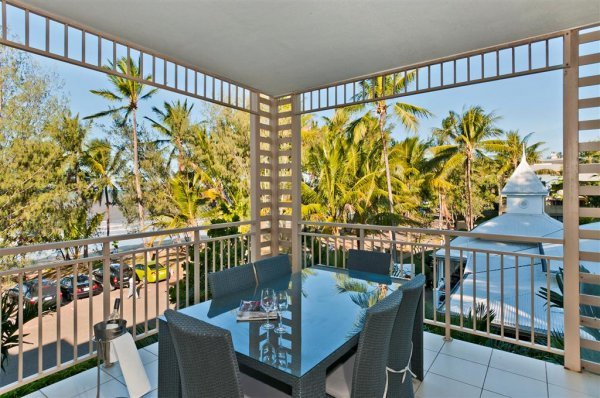 Upgrade to Beachfront to enjoy Ocean Views - Amphora Resort Private Apartments, Palm Cove