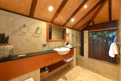 Bathroom - Far Pavillions Luxury Port Douglas Holiday Villa