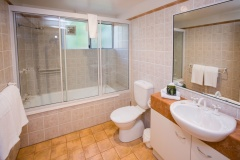 Bathroom Facilities | Palm Cove Private Apartments