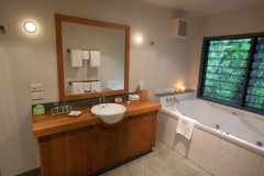Ensuite Bathroom with Spa Bath in some of the Treehouses