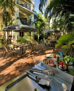 BBQ Area - Tropic Towers Cairns Holiday Apartments