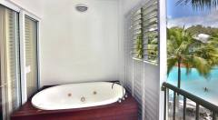 Balcony Spa | Beach Club Apartments Palm Cove  | Palm Cove Accommodation