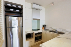 Beach Club Palm Cove Apartment with Fully Self contained kitchens