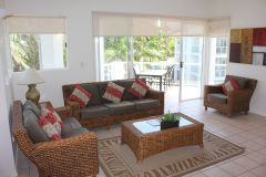 Beaches Port Douglas - Lounge