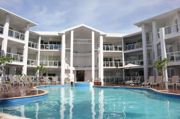 Port Douglas Accommodation Beaches Beachfront Holiday Apartments |