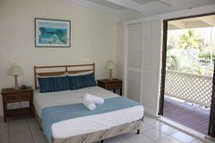 BTwo Bedroom Ocean View Apartment - Beachfront Terraces Port Douglas