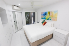 Palm Cove Apartments - Master Bedroom - On The Beach Luxury Holiday Apartment Palm Cove