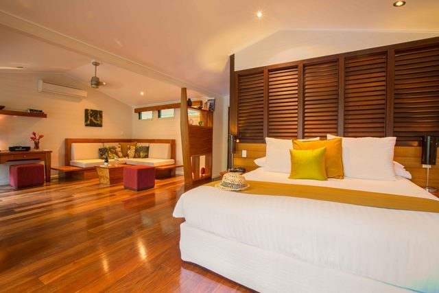 Billabong Suite - Perfect for Honeymoons Rainforest Eco Lodge