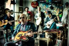 Black Sorrows - Port Douglas Carnivale 2016