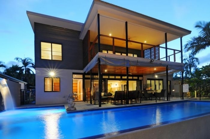 Bramston Beach Holiday Home - Beachfront Pool