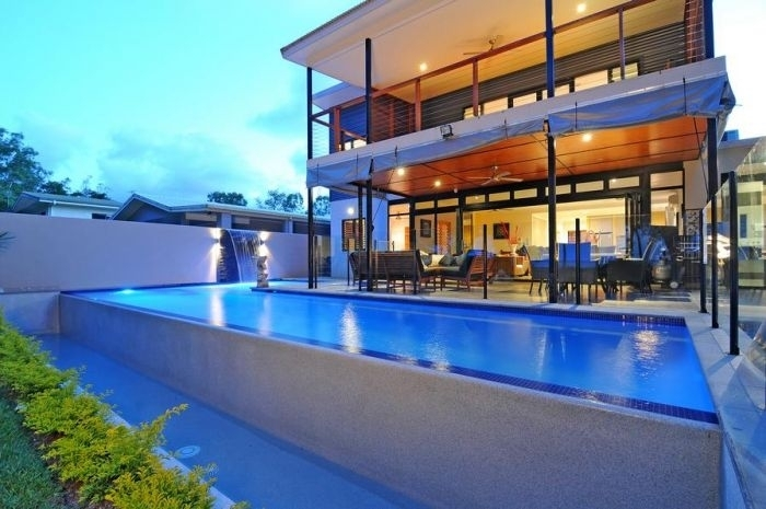 Bramston Beach Holiday Home - Beachfront Swimming Pool