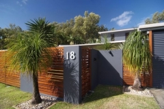 Bramston Beach Luxury Holiday Home - Absolute Beachfront