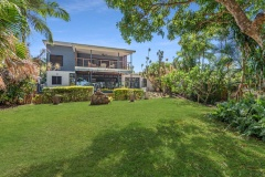 Bramston Beachfront Holiday Home with grassy lawns - perfect beachfront family holiday home within a short drive from Cairns