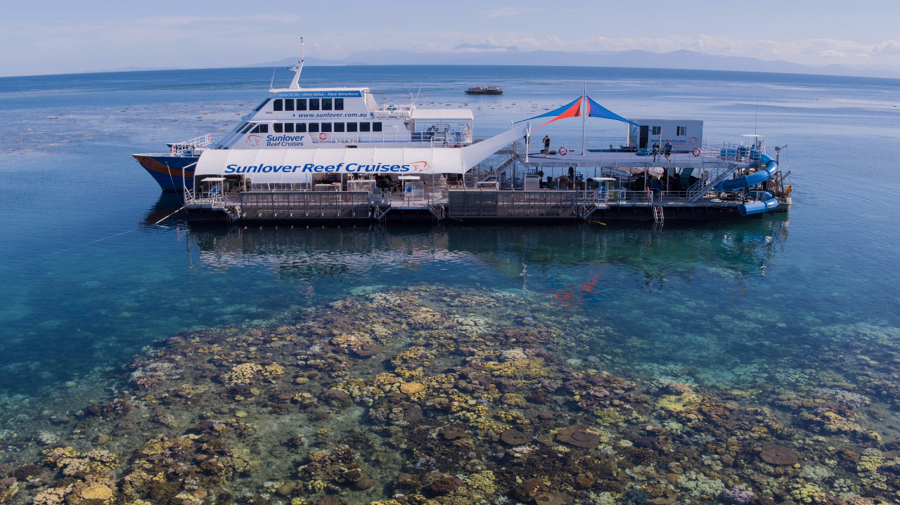 Great Barrier Reef Tour | Brand New Waterslide | Free Glass