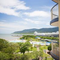 Cairns Esplanade holiday apartments Breakfree Royal Harbour - Opposite Cairns Swimming Lagoon