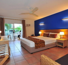 Cairns Accommodation - Cairns Hotel & Holiday Apartments | Coral Tree Inn Cairns Resort