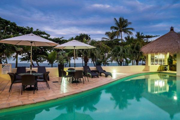 Cairns Beaches Accommodation - Luxury Beachfront Holiday Apartments Trinity Beach