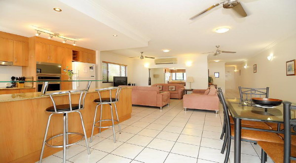 Cairns Beaches Holiday Accommodation - Oceanfront Apartments