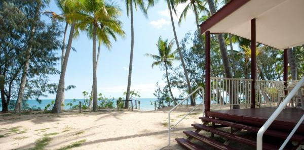 Cairns Beachfront Accommodation - Beachfront Holiday Cabins