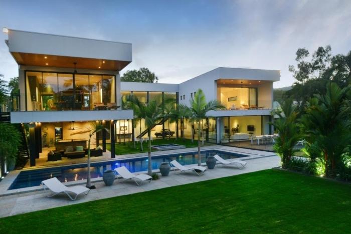 cairns beaches  kewarra beach, Luxury Homes
