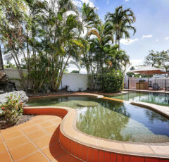 Cairns Budget Accommodation | Hotel Motel Holiday Accommodation