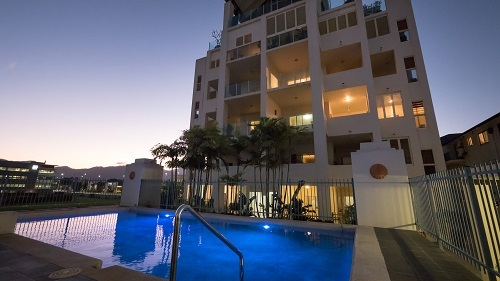 Great Cairns City Holiday Apartments Swimming Pool