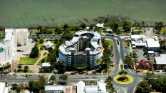 Cairns hotels - Cairns DoubleTree by Hilton located on Cairns Esplanade