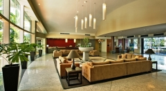 Cairns Accommodation - Cairns DoubleTree Hilton Lobby