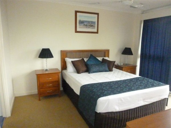 cairns esplanade holiday accommodation great deals