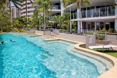 Cairns Esplanade Holiday Apartments - Vision Cairns