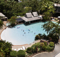 Cairns Family Resort Accommodation - Swim Up Bar | Kids Stay FREE