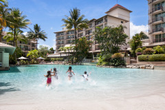 Cairns Family Resort - Novotel Oasis Resort in the heart of Cairns