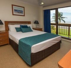 Cairns Holiday Apartments located on the Esplanade - Coral Towers Cairns