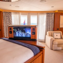 Cairns Luxury Charter Boat | Master Bedroom