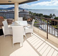 Cairns Luxury Holiday Apartments - Aquarius Apartment style Accommodation