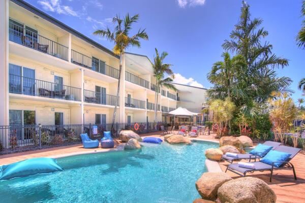Cairns Motel Family Accommodation  | Apartment style hotel